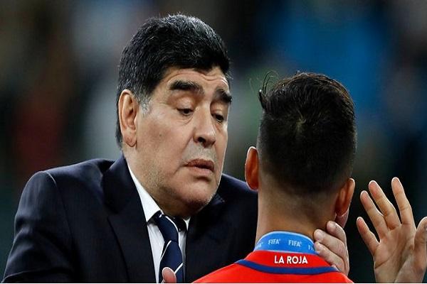 مارادونا يأسف لعدم تأهل إيطاليا لكأس العالم