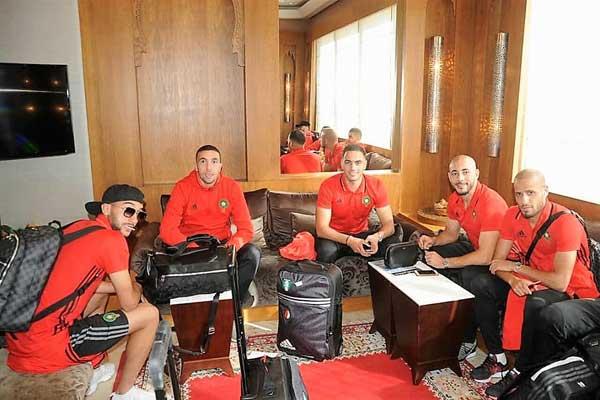 عناصر المنتخب المغربي قبل الإقلاع إلى كوت ديفوار (موقع الجامعة الملكية المغربية لكرة القدم)