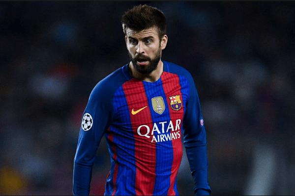جيرارد بيكيه مدافع نادي برشلونة الإسباني