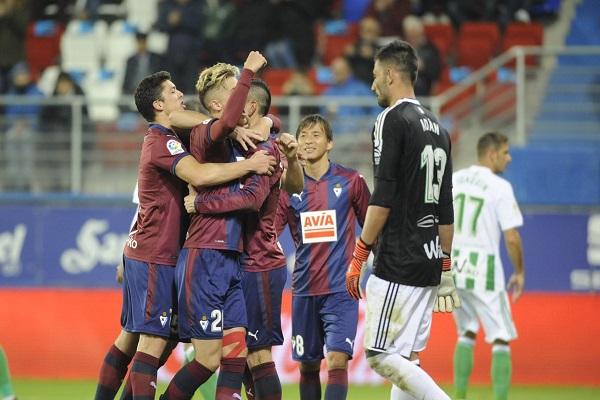 إيبار يسحق ريال بيتيس بخماسية في الليغا