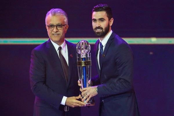 السوري عمر خريبين يتوج بجائزة أفضل لاعب آسيوي