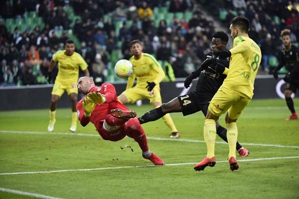 نانت يهدر نقطتين أمام سانت اتيان في الدوري الفرنسي