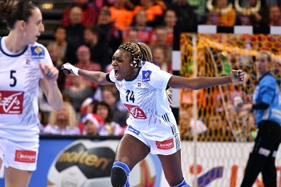 سيدات فرنسا يتوجن بلقب كأس العالم لكرة اليد