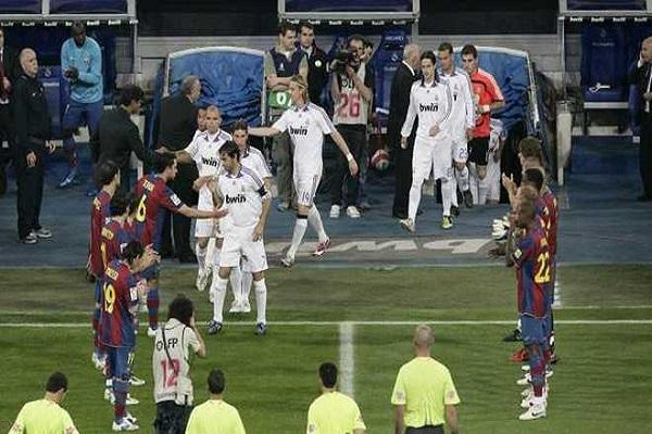 برشلونة يحسم موقفه بشأن الممر الشرفي لريال مدريد