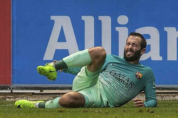 فيدال سيغيب عن برشلونة حتى نهاية الموسم