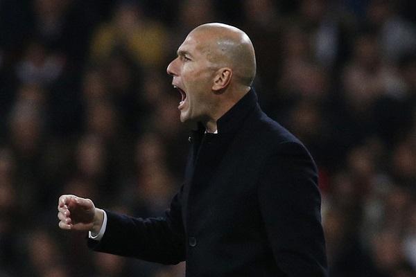 زيدان يحطم رقم مورينيو مع ريال مدريد ويهدد برشلونة