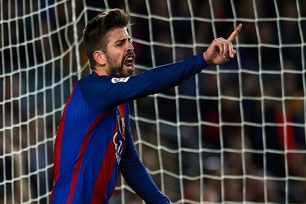 جيرارد بيكيه مدافع نادي برشلونة