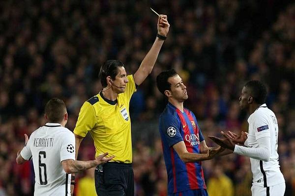 الويفا لن يوقف حكم مباراة برشلونة-باريس سان جرمان
