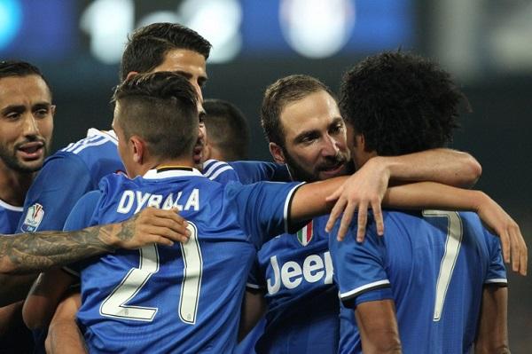 هيغواين يقود يوفنتوس إلى نهائي كأس إيطاليا على حساب نابولي