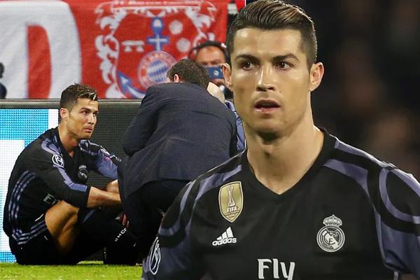 أنهى النجم البرتغالي المباراة بمشاكل عضلية