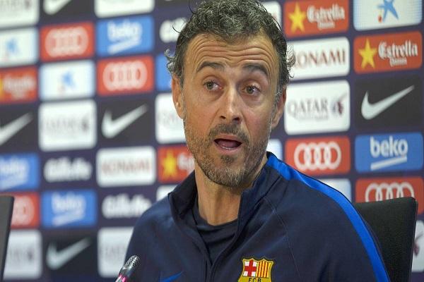 مدرب برشلونة الاسباني لويس انريكي
