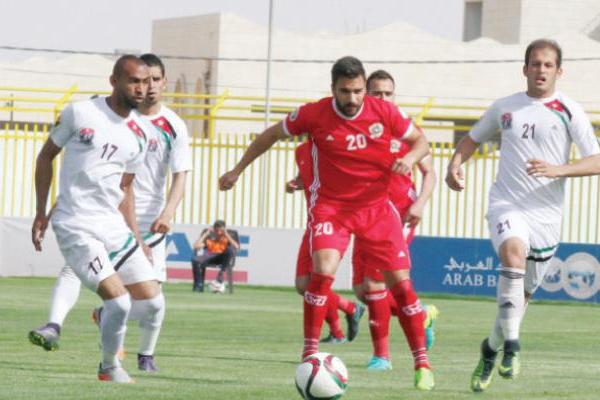 قاد اللاعب الدولي السابق عصام مبيضين فريق الجزيرة للإنفراد موقتا بالصدارة