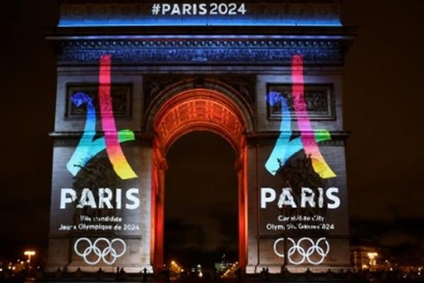 بدأت لجنة التقييم التابعة للجنة الأولمبية الدولية الأحد، زيارة لثلاثة أيام الى باريس