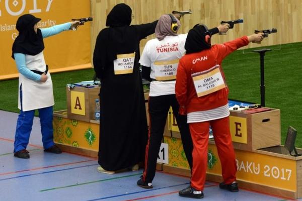 احرزت الرامية القطرية دانا مبارك ذهبية المسدس من 25 مترا