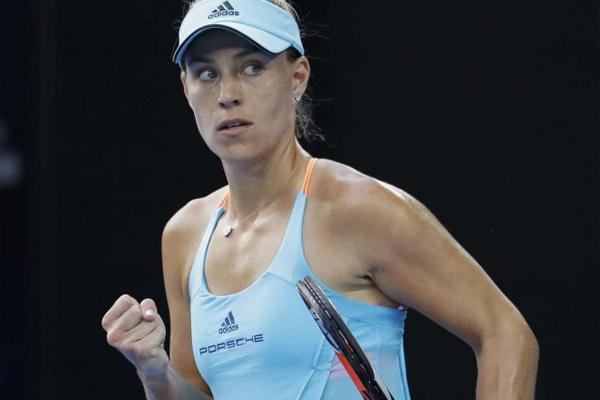 انتزعت الالمانية انجيليك كيربر المركز الاول في صدارة تصنيف لاعبات كرة المضرب المحترفات
