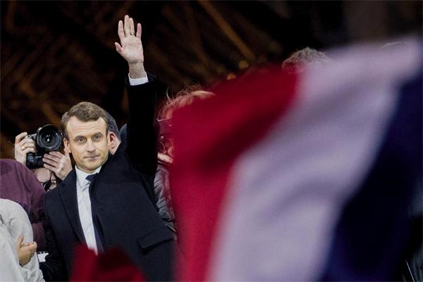 الرئيس الفرنسي الجديد ايمانويل ماكرون