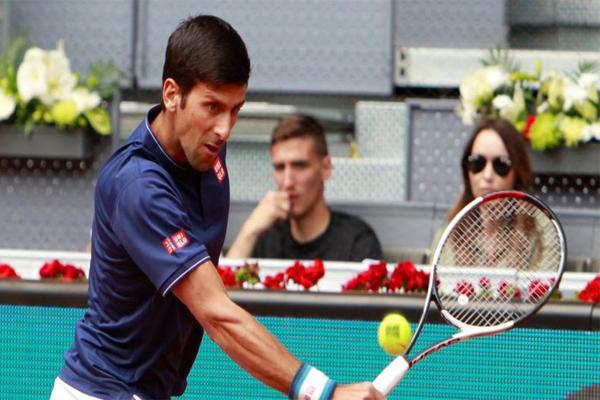 تأهل الصربي نوفاك ديوكوفيتش الى ربع نهائي دورة روما الدولية لكرة المضرب