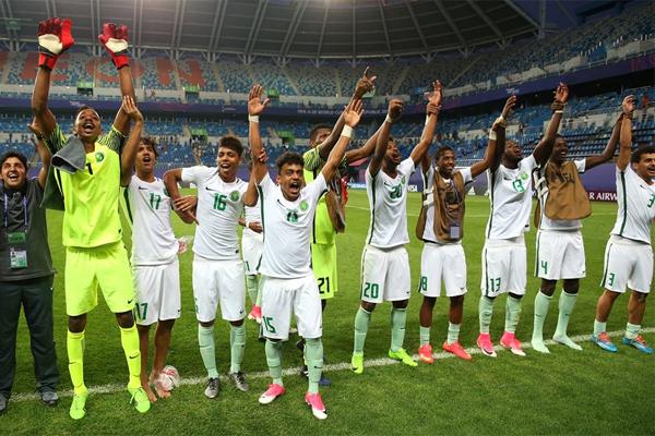 نجا المنتخب السعودي من هزيمة ثانية على يد نظيره الاميركي وخرج متعادلا معه 1-1