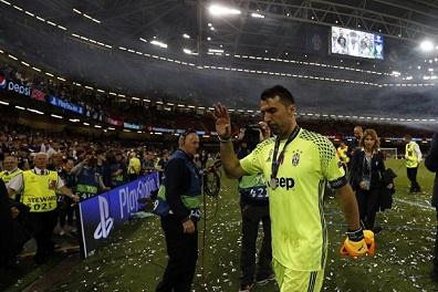 بوفون يحيي ريال مدريد بعد اللقب الثاني عشر