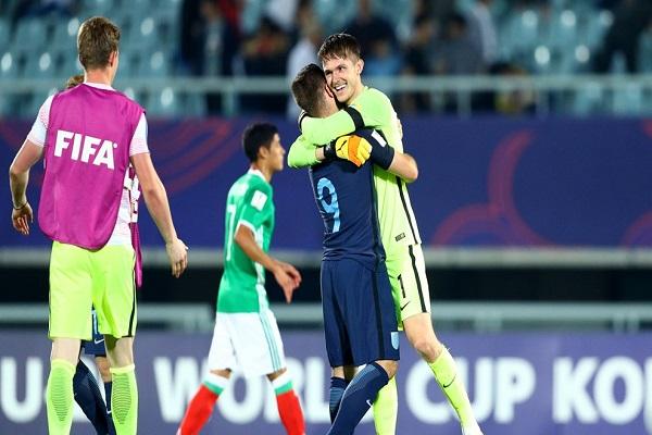الكشافون يبحثون عن المواهب بصمت وتخف في كأس العالم للشباب