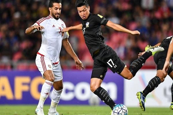 الإمارات تتعادل مع تايلاند وتصعب موقفها أكثر