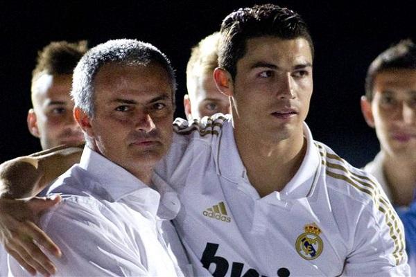 رونالدو يسوي خلافاته مع مورينيو تمهيدا لعودته إلى مانشستر
