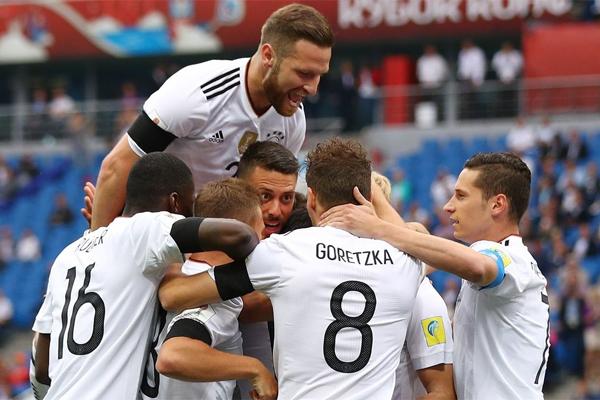 سيطرت المانيا بالكامل على مجريات الشوط الاول وسجلت هدفين
