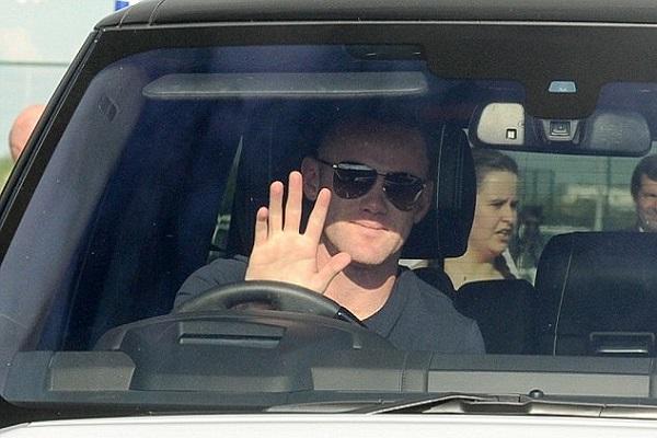 انتقال لوكاكو إلى يونايتد يرجح عودة روني إلى إيفرتون