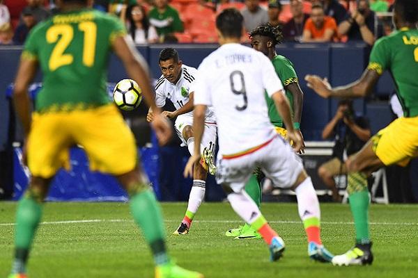 المكسيك تضع قدما في ربع نهائي الكأس الذهبية