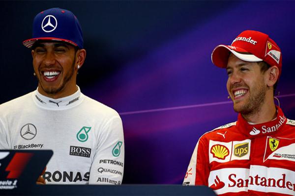تنتقل المنافسة الشرسة لاحراز لقب بطل العالم في سباقات الفورمولا واحد بين سيباستيان فيتل ولويس هاميلتون