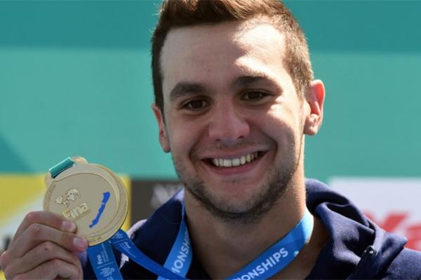 توج الفرنسي اكسيل ريمون بذهبية سباق 25 كلم في المياه المفتوحة الجمعة في بحيرة بالاتون