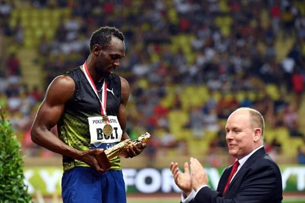 احرز العداء الجامايكي اوساين بولت الجمعة المركز الاول في سباق 100 م ضمن لقاء موناكو