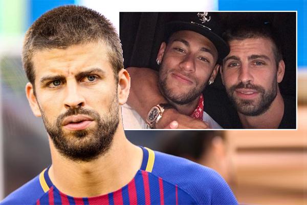 خير مدافع نادي برشلونة الاسباني لكرة القدم جيرار بيكيه زميله المهاجم البرازيلي نيمار بين الحصول على