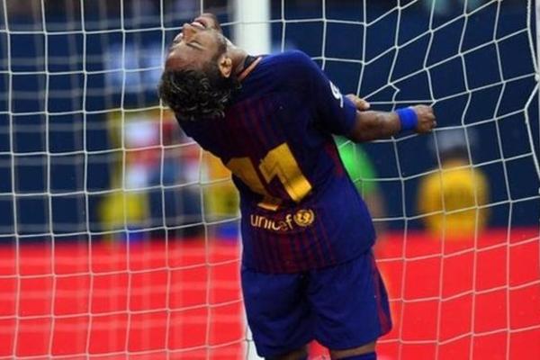 نيمار يسجل هدفين لصالح البارسا في المباراة الودية التي فاز فيها 2-1 أمام يوفينتوس، السبت.