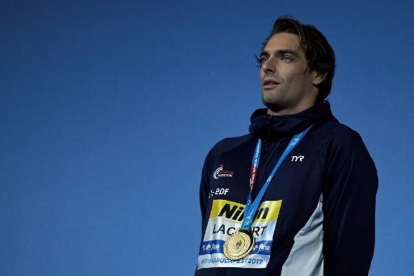 أحرز الفرنسي كاميل لاكور الاحد ذهبية سباق 50 م ظهرا في بطولة العالم السابعة عشرة للسباحة في المجر