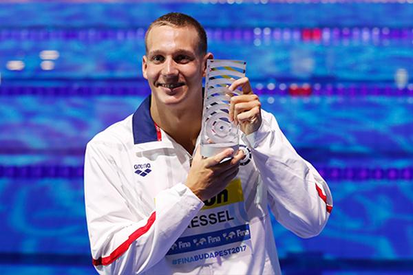 أصبح دريسل أول سباح يحرز ثلاث ميداليات ذهبية ضمن جولة واحدة في بطولة العالم
