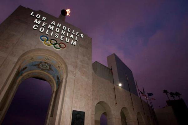 اعلنت مدينة لوس انجليس الاميركية الاثنين رسميا ترشيحها لاستضافة الالعاب الاولمبية الصيفية عام 2028