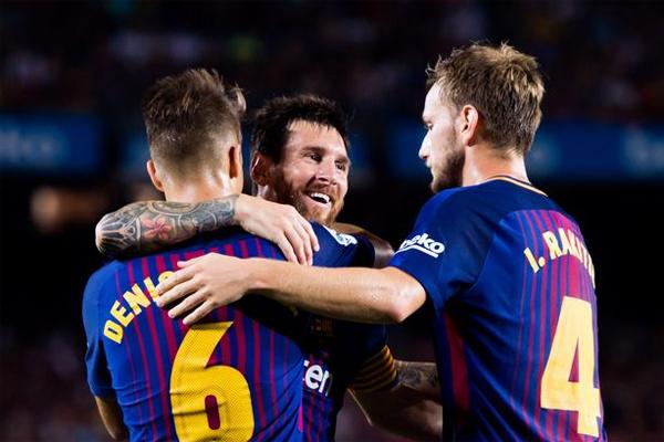 كرم برشلونة الإسباني ضيفه تشابيكوينسي البرازيلي بالفوز عليه بخماسية نظيفة