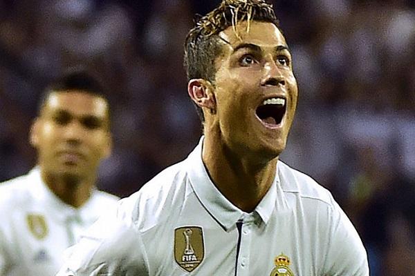 زيدان يستدعي رونالدو لتشكيلة ريال مدريد في السوبر الأوروبي