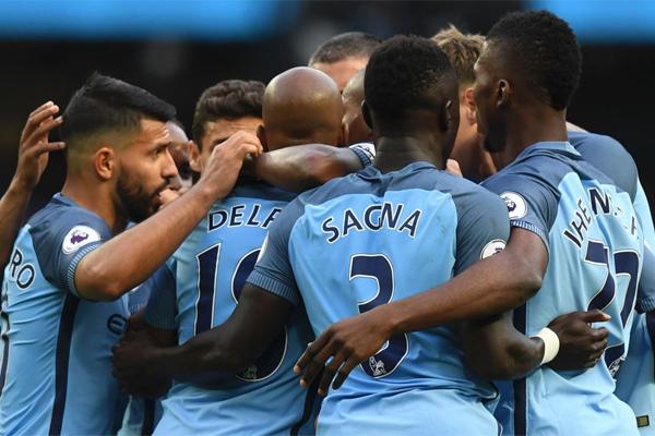 يعتبر نادي مانشستر سيتي أحد المرشحين لاسقاط تشلسي عن عرش الدوري الانكليزي الممتاز مع انطلاق موسم 2017-2018