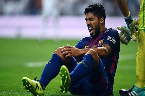 برشلونة يفتقد لويس سواريز شهراً كاملاً بسبب الإصابة