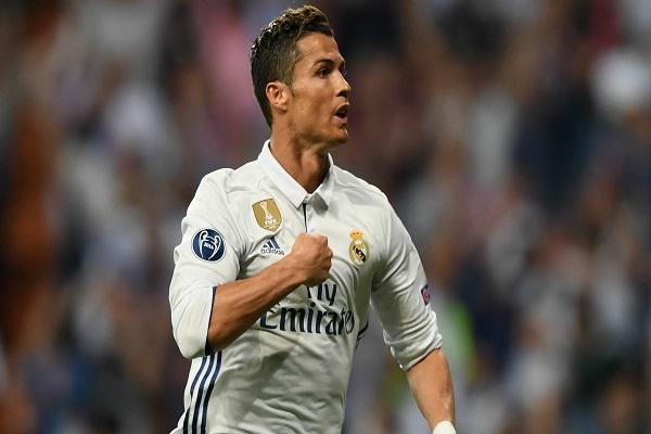 رونالدو يتصدر قائمة المرشحين لجائزة الفيفا لأفضل لاعب في العالم - بوابة الشروق