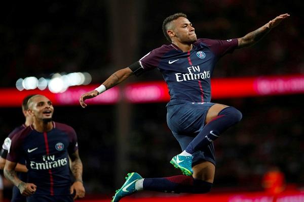 مهارات نيمار تُبهر الفرنسيين في ملعب بارك دي برانس