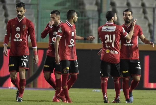 الأهلي يقسو على الزمالك بثلاثية نظيفة في الدوري المصري