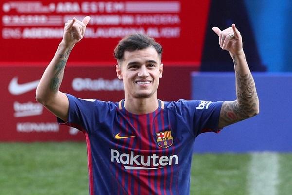 كوتينيو بعد التوقيع مع برشلونة