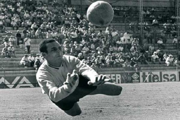 وفاة حميد الهزاز الحارس السابق للمنتخب المغربي لكرة القدم