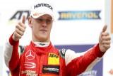 نجل شوماخر يحرز بطولة أوروبا للفورمولا 3