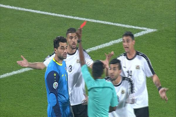 طرد حارسي المرمى في مباراة القوة الجوية العراقي والجزيرة الأردني