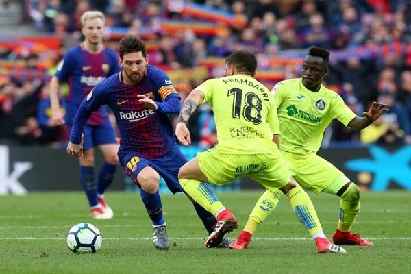 خيتافي يجبر برشلونة على التعادل