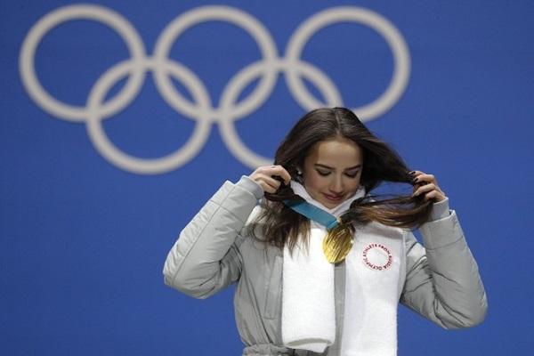 ألينا زاجيتوفا تمنح الذهبية الاولى لروسيا تحت العلم الاولمبي